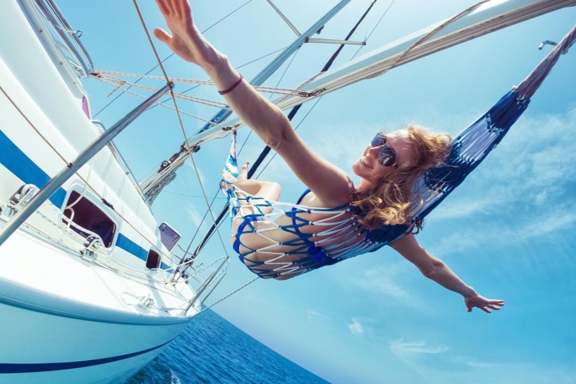 8 Tips to Get a Good Night Sleep on a Boat