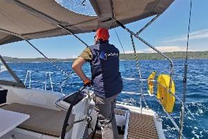 10 Fragen, die Sie stellen sollten, wenn Sie einen Segelurlaub mit Skipper chartern